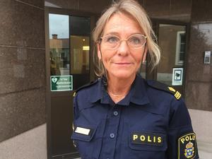 Polisbefälet Terese Heidenborg berättar att bedragaren kom över 10 000 kronor.