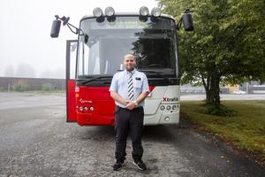 Till vardags arbetar Mats Udenius för bussbolaget VS och Persson, som bland annat kör åt X-trafik i Söderhamn.