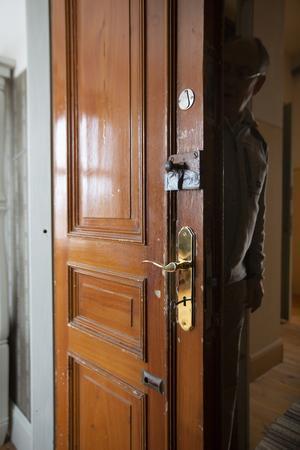 Dörrarna räddades från en hus som skulle renoveras på Engelbrektsgatan i Stockholm.