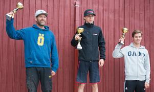 Total MX2 slutade med en tredjeplats för hemmaåkaren Oskar Englund. 41-årige Kalle Karlsson körde hem en andraplats och Viking Lindström, som även kom tvåa i MX1 klassen, vann.