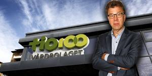 Norrtälje kommun och Region Stockholm planerar att ge Tiohundra AB 60 miljoner kronor för att täcka årets underskott. Det är bra. Men vad som händer nästa år är oklart. Här krävs därför snabba beslut om nya ekonomiska tillskott för att inte kvaliteten i vården skall drabbas. Foto: Anders Sjöberg, Måna J Roos.