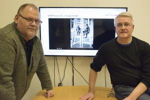 Lars-Erik Lindström och Stephan Lundberg, Örnsköldsviks museum hoppas att många ska gå in och titta på museets föremål och fotografier – och kanske kunna bidra med intressanta uppgifter och berättelser om det som visas.