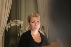 Vänsterpartiets politik handlar inte om Jan Larsson, menar Camilla Andersson Larsson (V).