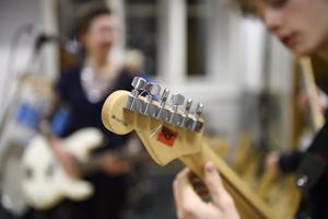 En genomgång av skolresultaten i landet visar att de flesta kommuner som ligger högt upp i rankningen har sin musik- eller kulturskola placerad under utbildningsnämnden, skriver Ragnhild Dominique. Foto: Henrik Montgomery, TT.