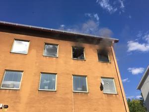 Lägenhetsbrand på Vilhelminavägen i Fagersta.