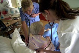 Sjuksköterskor ett yrke det kommer att råda brist på även om fem år.Foto: Fredrik Sandberg