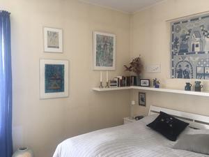 I det skira, blå rummet ryms vila.