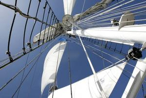 Totalt elva segel kan hissas på Baltic Beauty.