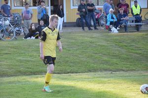 Daniel Simons Pettersson  stod för ett konstnummer när han gjorde 1–0 till hemmalget, på halvvolley.