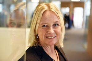 Maria Engholm, ordförande i Dalarnas Försäkringsbolags styrelse, betonar att det är viktigt med fysisk närvaro.