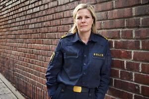 Josefine Perming Tengqvist, tillförordnad gruppchef vid grova brott på polisen i Västernorrland, säger att de följt många spår för att kunna fastslå vem som startat branden.