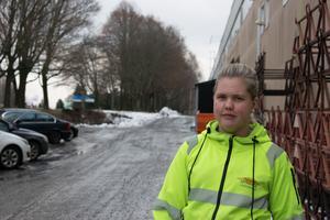 Louise Ehlén från Borlänge och innertaksmontör, är nöjd med sitt yrkesval