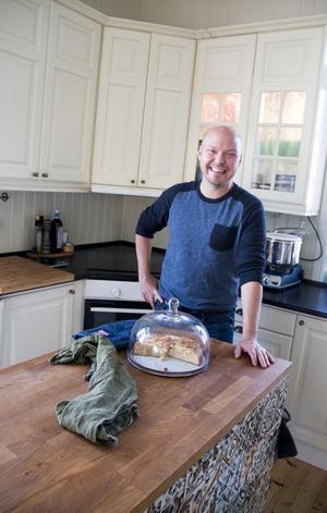 Fredrik Nylén hämtar inspiration till sina recept från gamla kokböcker, färger, smaker och säsonger.