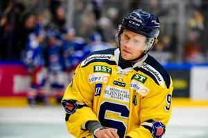Victor Andersson är skadad och missar minst en månad, kanske ytterligare ett par veckor. Foto: Bildbyrån.