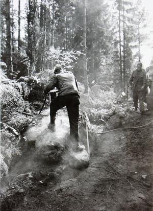 Sverige var i ett pressat läge när skyttevärn och skyddsrum byggdes vid Väddökusten 1940-41.Foto: AMF Bildarkiv, Krigsarkivet