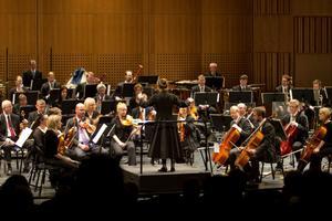 Elever vid Vasaskolans estetiska program fick sina verk framförda av symfoniorkestern i maj 2010.