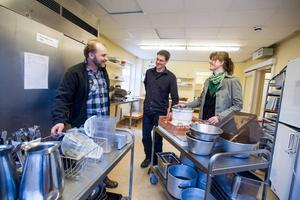 Med småskalighet och mikroföretag som producerar frukt och grönt finns numera ett produktionskök att låna. Anders Persson, Mikael Vallström och Annika Thornton ligger bakom föreningen Snoc.