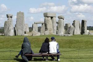 Upptäckt. Intill den gamla vanliga stenversionen av Stonehenge har forskare funnit resterna av en version i trä. Foto: Dave Caulkin/AP/Scanpix