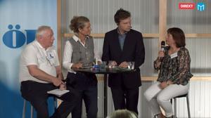 Liberalernas Lennart Ledin,  programledarna och miljöpartiets Karin Thomasson.