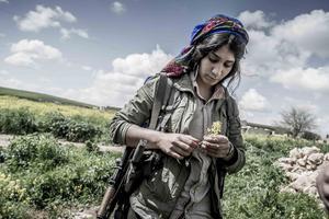 Kvinnliga peshmerga-soldater har spelat en avgörande roll i kampen mot IS. Peshmerga är en samlingsbeteckning för väpnade kurdiska nationella rörelser. Foto: Magnus Hjalmarson Neideman