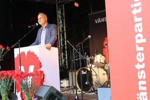 Jonas Sjöstedt, Vänsterpartiets ledare presenterades som nästa vice statsminister när han valtalade i Örebro.