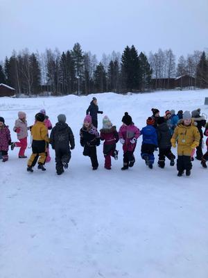Förskoleklassen samt klass 1, 2 och 3 deltog i Lillboloppet. Foto: Linda Hasselqvist