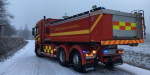 På fredagsmorgonen fick vägen vid Tolsta, öster om Hudiksvall, stängas av efter att en lätt lastbil kört i diket.