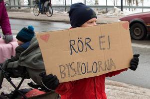 Över 500 personer, både stora och små, deltog i lördagens manifestation i Leksand.  Foto: Per-Inge Mill