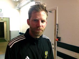 Tidigare landslagsspelaren Johan Willes dominerar i division 1.