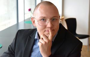 Gabriel Henriks, platschef hos Realeasy, i Borlänge som kommer att öka antalet anställda med 80 personer därför behöver ytterligare lokaler.