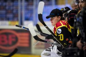 Oliver Dackell  under semifinal 6 i SM-slutspelet i ishockey mellan Brynäs och Frölunda den 12 april  2017 i Gävle. Foto: Bildbyrån