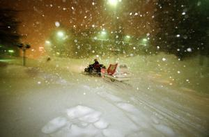 Skoter var ett smidigt sätt att ta sig fram i snödjupet.