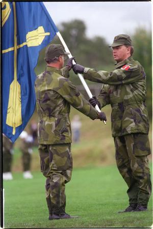 Foto: Esbjörn Johansson.1998 fanns konungen Carl XVI Gustaf på plats på den årliga regementsdagen i Falun.
