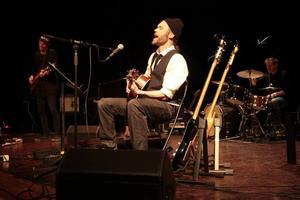 Björn Gidlund spelar in skiva under namnet