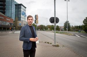 """Förslaget om 600 nya bostäder längs Nyköpingsvägen är från 2010 men utreds på nytt. """"Det är många frågor att hantera men det är kul att vi kommit en bit på väg"""", säger huvudprojektledare Johan Filipsson."""