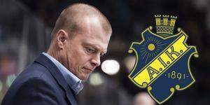 AIK-sportchefen Anders Gozzi var besviken efter matchen. Nu går hans kontrakt ut och framtiden är oklar. Foto: Johanna Lundberg/Bildbyrån.