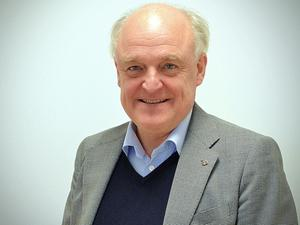 Björn Jönsson äger X-maskiner som säljer traktorer och andra entreprenadmaskiner.