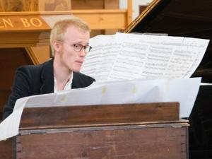 Johan Graden växlade mellan piano och stor samt liten orgel.