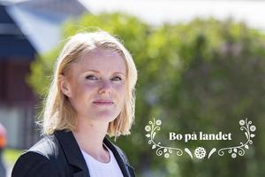 FP:s chefredaktör Julia Engström ser med skräckblandad förtjusning hur allt fler längtar ut till landet – kunde de inte ha väntat tills hon själv hunnit köpa sitt Fagerstatorp?