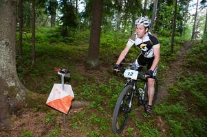 Ola Jäderberg från Leksands OK tävlar i H40-klassen i helgens SM i MTB-orientering i Falun.
