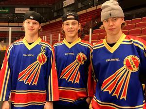 Victor Söderström, Alexander Ljungkrantz och Edvin Färnstrand är Skutskärsgrabbarna som ska spela landslagshockey.