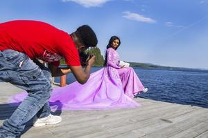 Jamia Osman från barn- och fritidsklassen bar en lila prinsessdröm med ett enormt släp.