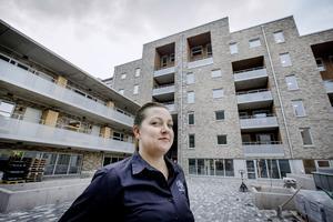 f21f8bcf6ed Sanna Bolinder, projektutvecklare på Öbo, framför Kungsplan,  bostadsföretaget senaste projekt i centrala Örebro