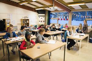 Eleverna i Falun skolor blir fler än väntat. Grundskolan ökar i höst med 85 elever och gymnasier med 80. Arkivbild.