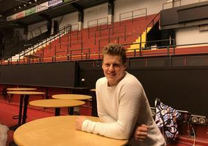 Linus Ölund är hemma från sin första säsong i AHL och tränar fys med Brynäs just nu.