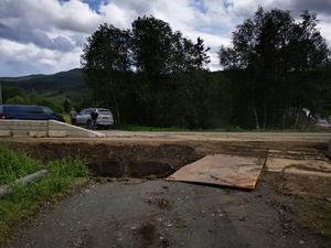 Infarten till Jon Larssons fastighet under grävarbetet. Foto: Olof Larsson