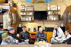 Jimmy Eriksson, Larsa Embretsen, John Ericsson, Eddie Embretsen, Jonas Blom och Mikael Sjödin gillar folkvagnar och fikamys.