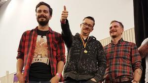 Kid Reslegård Svedberg, Lars Johansson och Robin Loo tar emot priset under Belgoträffen. Belgoträffen är Sverige största träff för hembrygd belgisk öl.