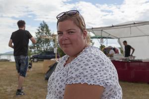 Sara Olsson från Östra Färnebo, har stuga i Funäsdalen. Hon och sambon var på Funäsdalens marknad och hade åkt helikopter.
