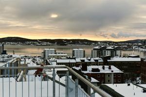 Från takterrassen når utsikten långt över Örnsköldsvik.